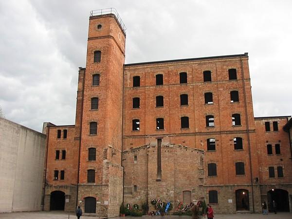 http://www.museodellashoah.it/wp-content/uploads/2010/11/2008-01-25.jpg