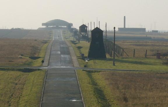 2003-11_KZ_Majdanek